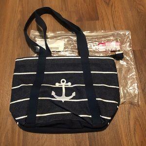 Navy stripe Classic Day Bag. Thirty One